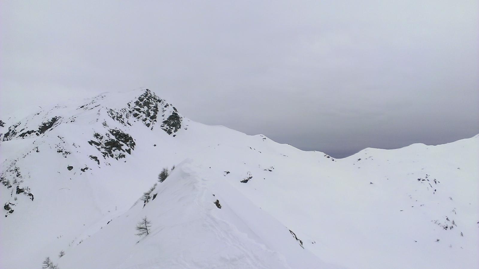 Monte Roux, dalla cresta del Monte Liet, in basso il Col Giassit