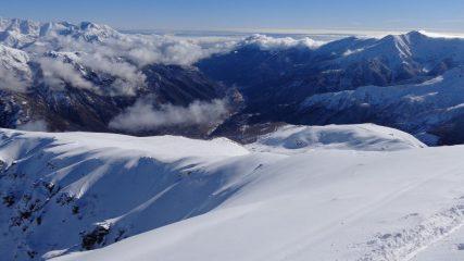 la macchia al centro in alto è il pianoro dell'Alpe Cantel sotto alla Cima Mares