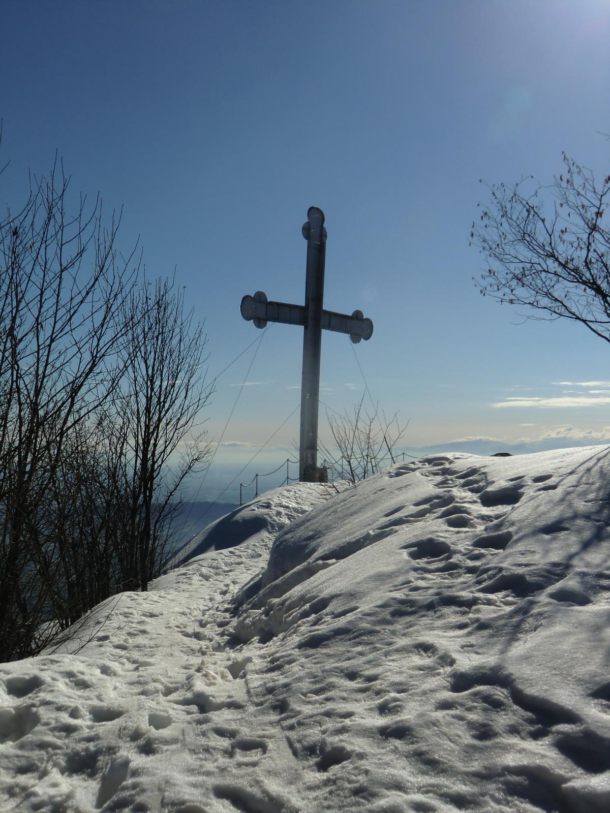La vetta, con la croce di Envie