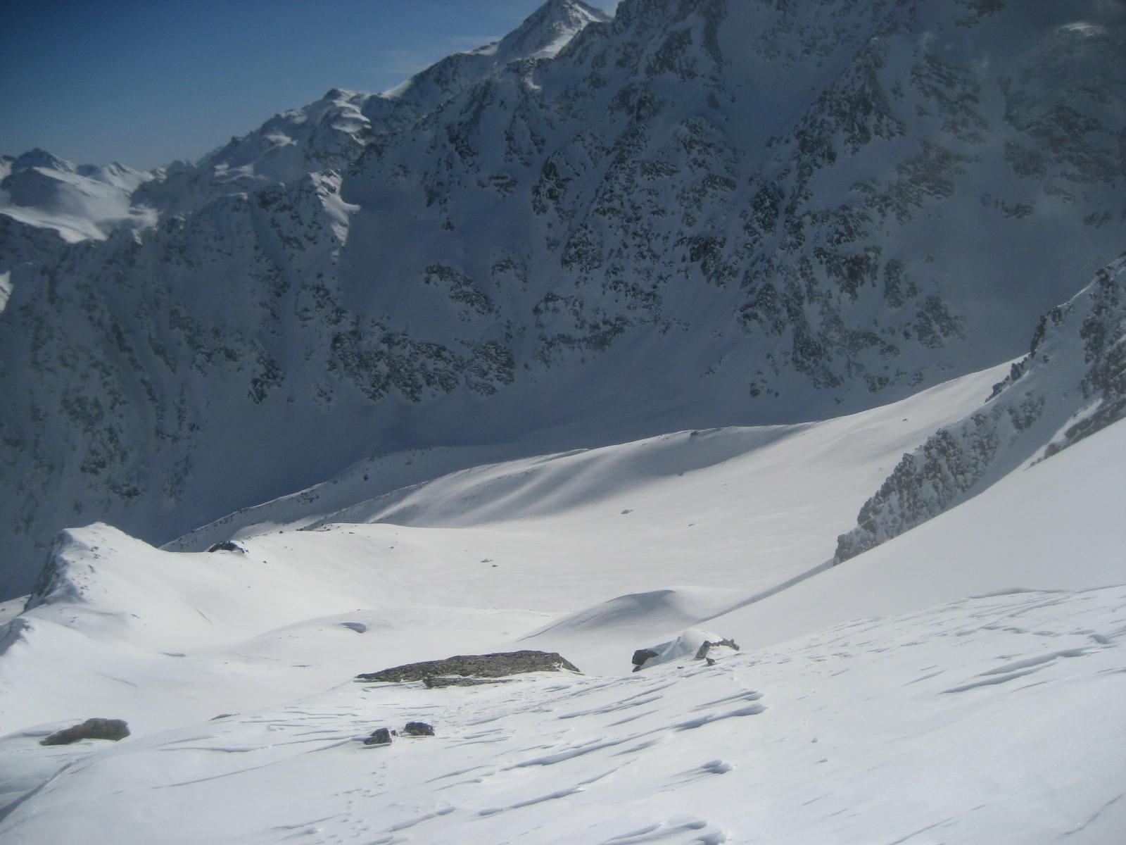 vallone/conca di Griesserna dalla base della cresta nord-est