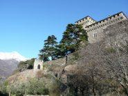 Castello di Montestrutto e porta carraia