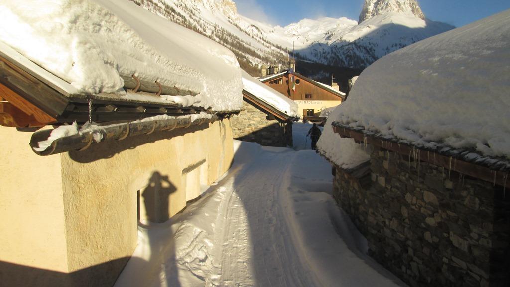 Grange di Valle Stretta in abito invernale