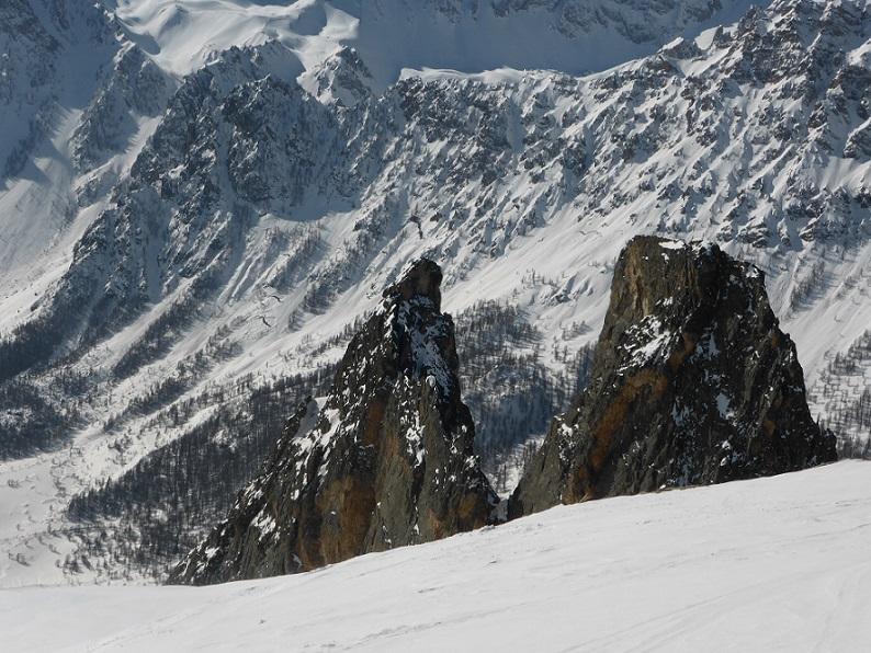 Torre e Rocca Castello salendo all'Eighier