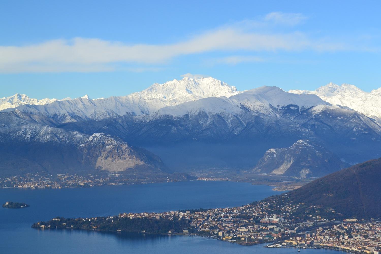 Monte Rosa e lago dalla vetta