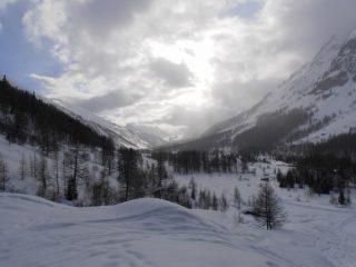 09 - Luci della sera in Val Ferret, Glacier du Miage sullo sfondo illuminato dal sole