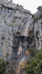la cascata meravigliosa delle terre alte