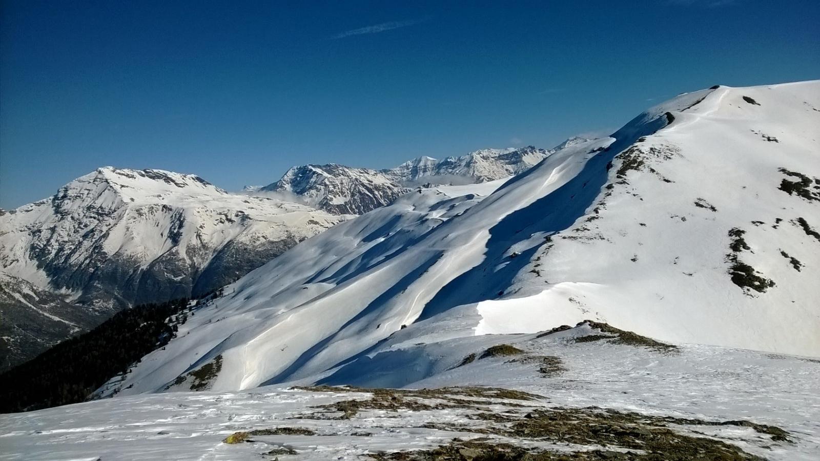 Il lato Val Susa della Gran Costa con il Roncia sullo sfondo