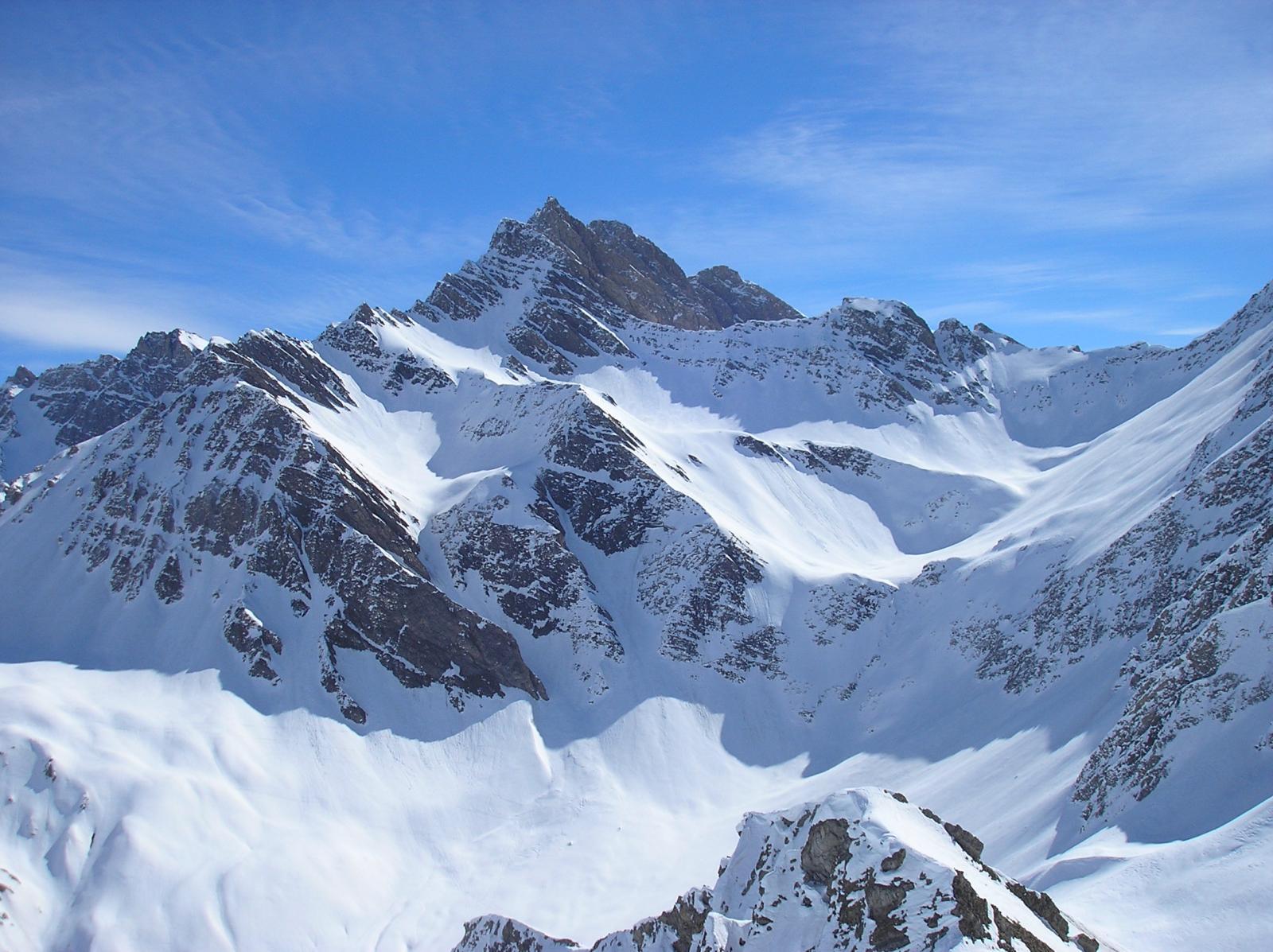 sullo sfondo la cima della grande rochere 3526m