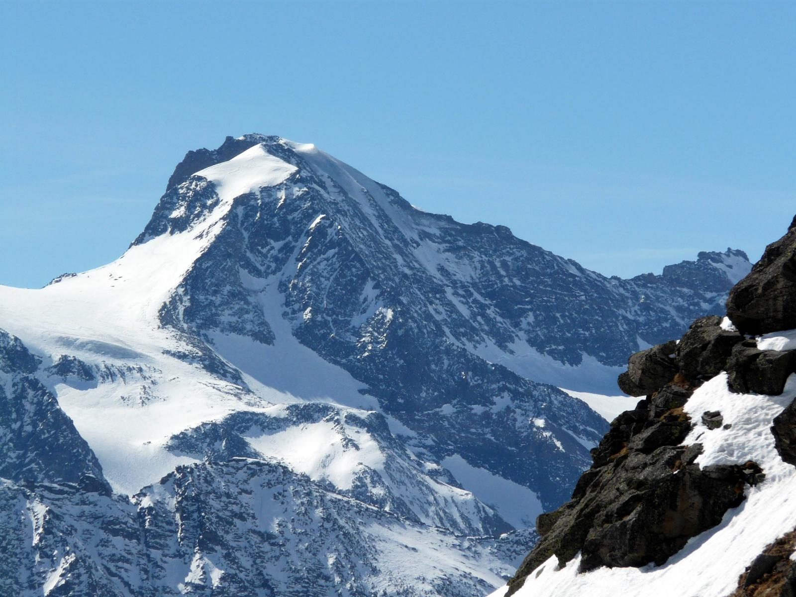 Ciamarella, parete Nord completamente priva di neve !!