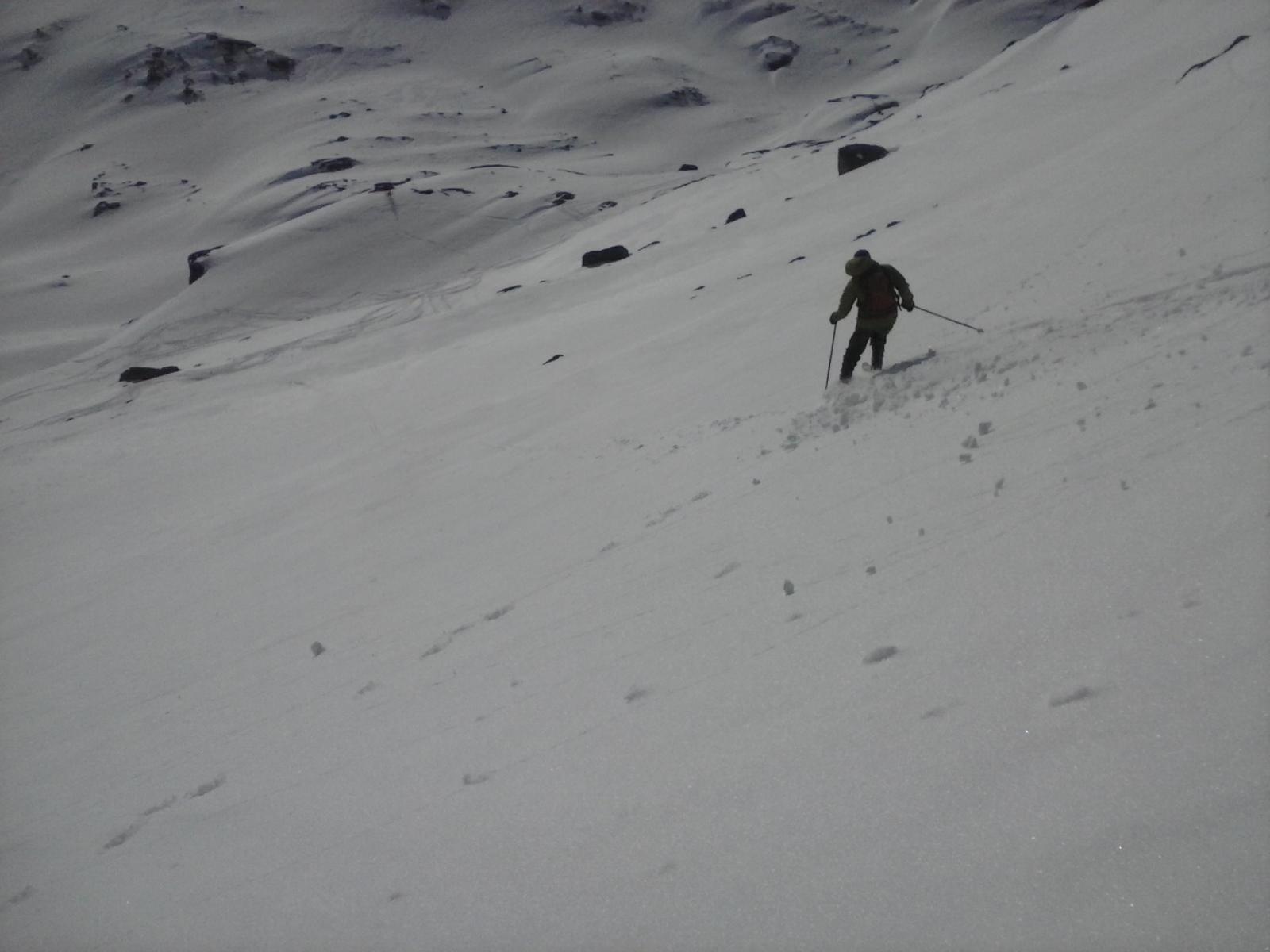 verso l'alpeggio in neve intonsa....
