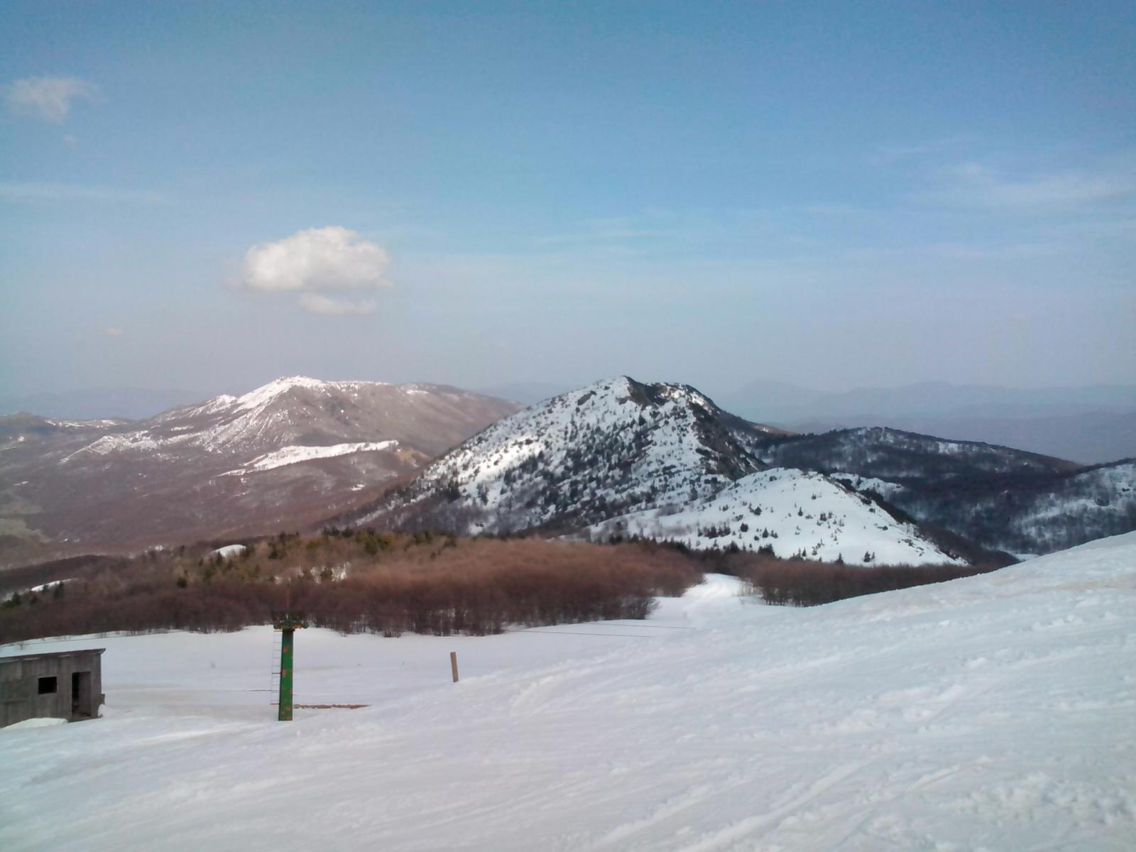 Il monte Nero visto dalla vetta del Bue, il percorso da seguire è evidente