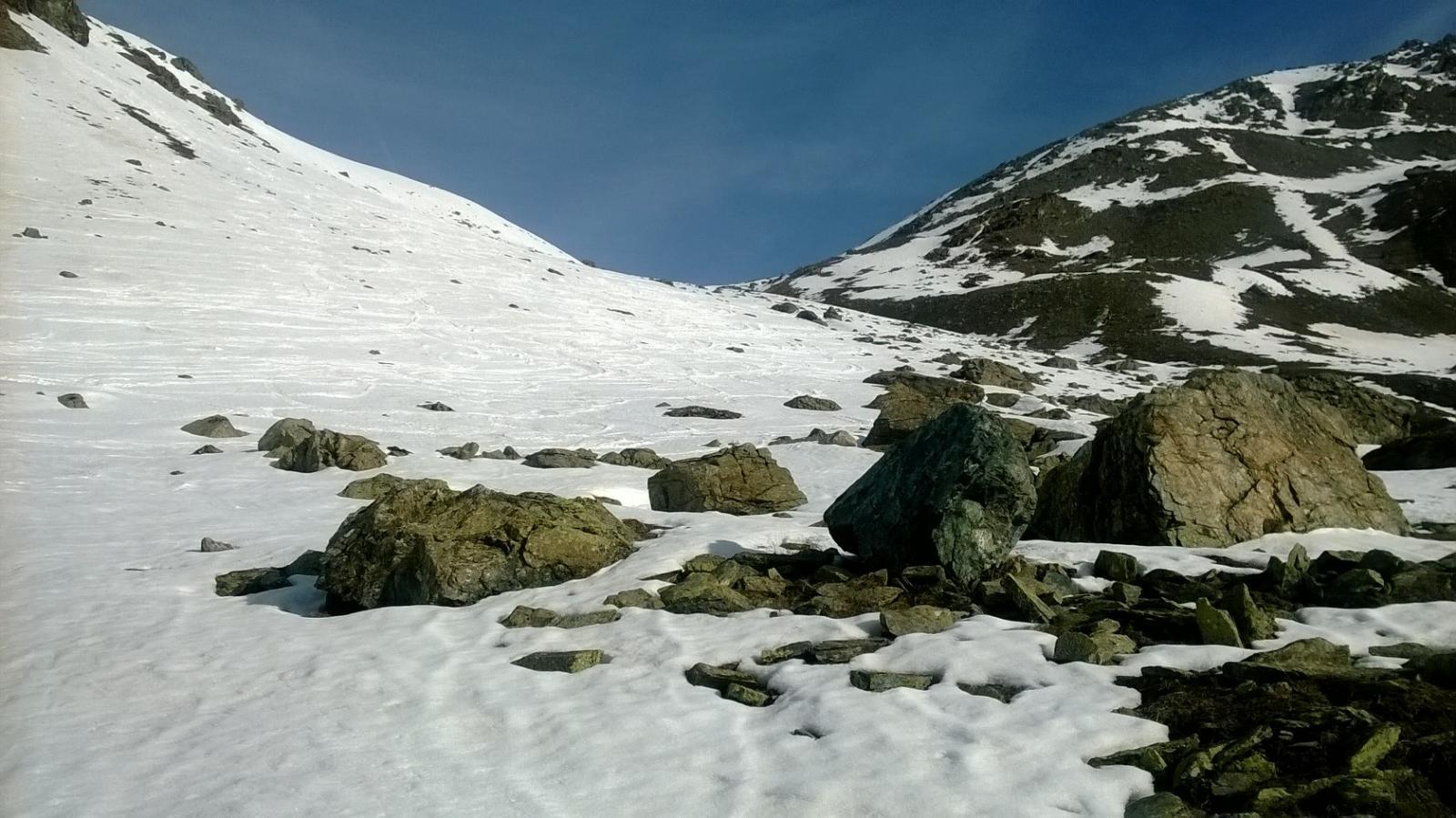 Situazione neve dal ponticello all'imbocco del vallone