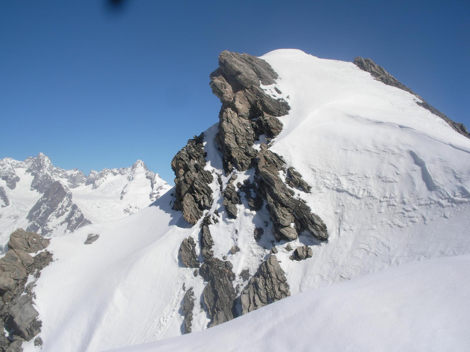 La cima nord dalla cima sud con sempre il Dolent al fondo..