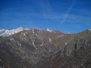 Il panorama comincia ad aprirsi sulla testata della valle di Ribordone