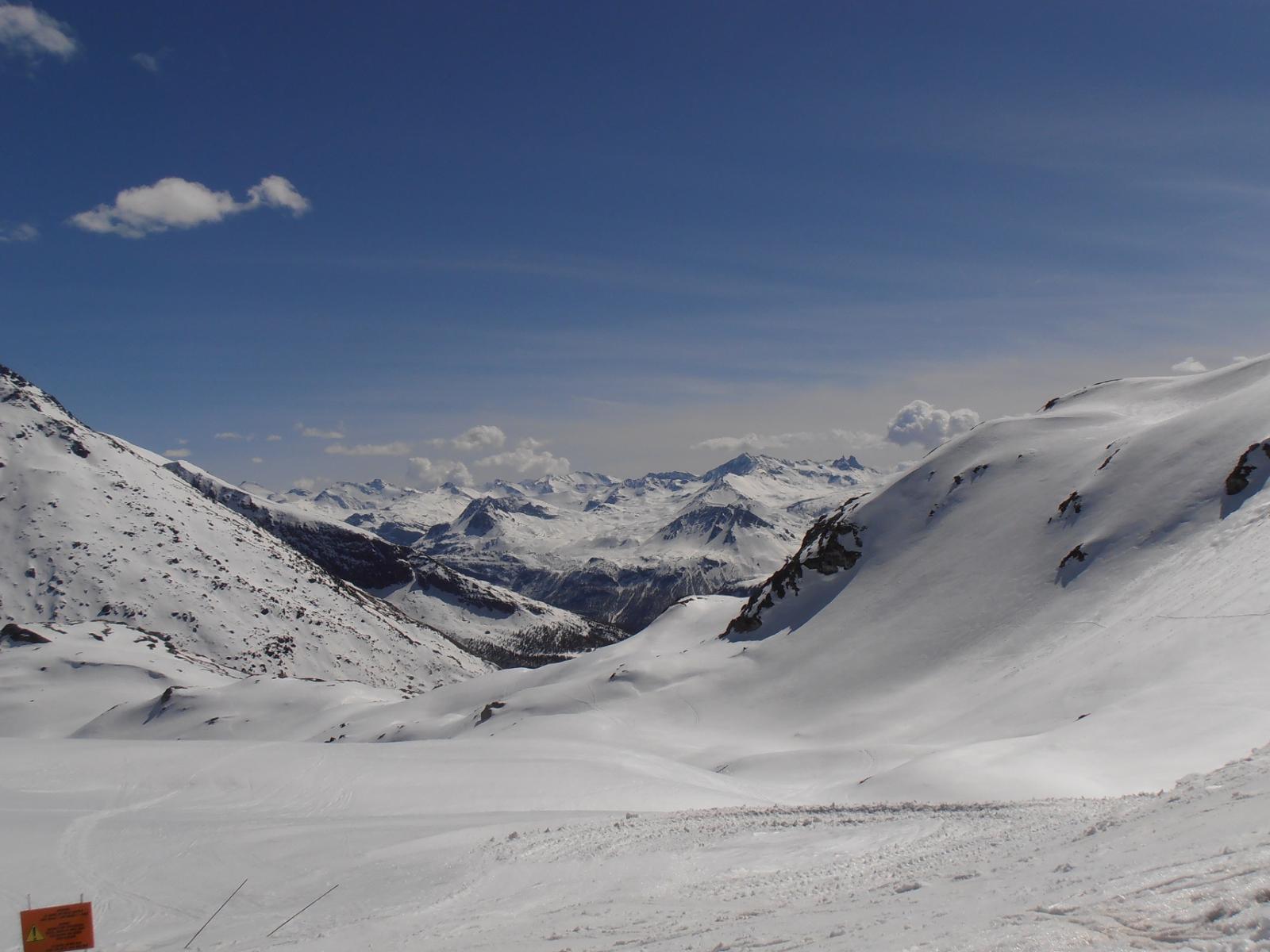 08 - vista verso le cime che separano la Val d'Isere dalla Maurienne