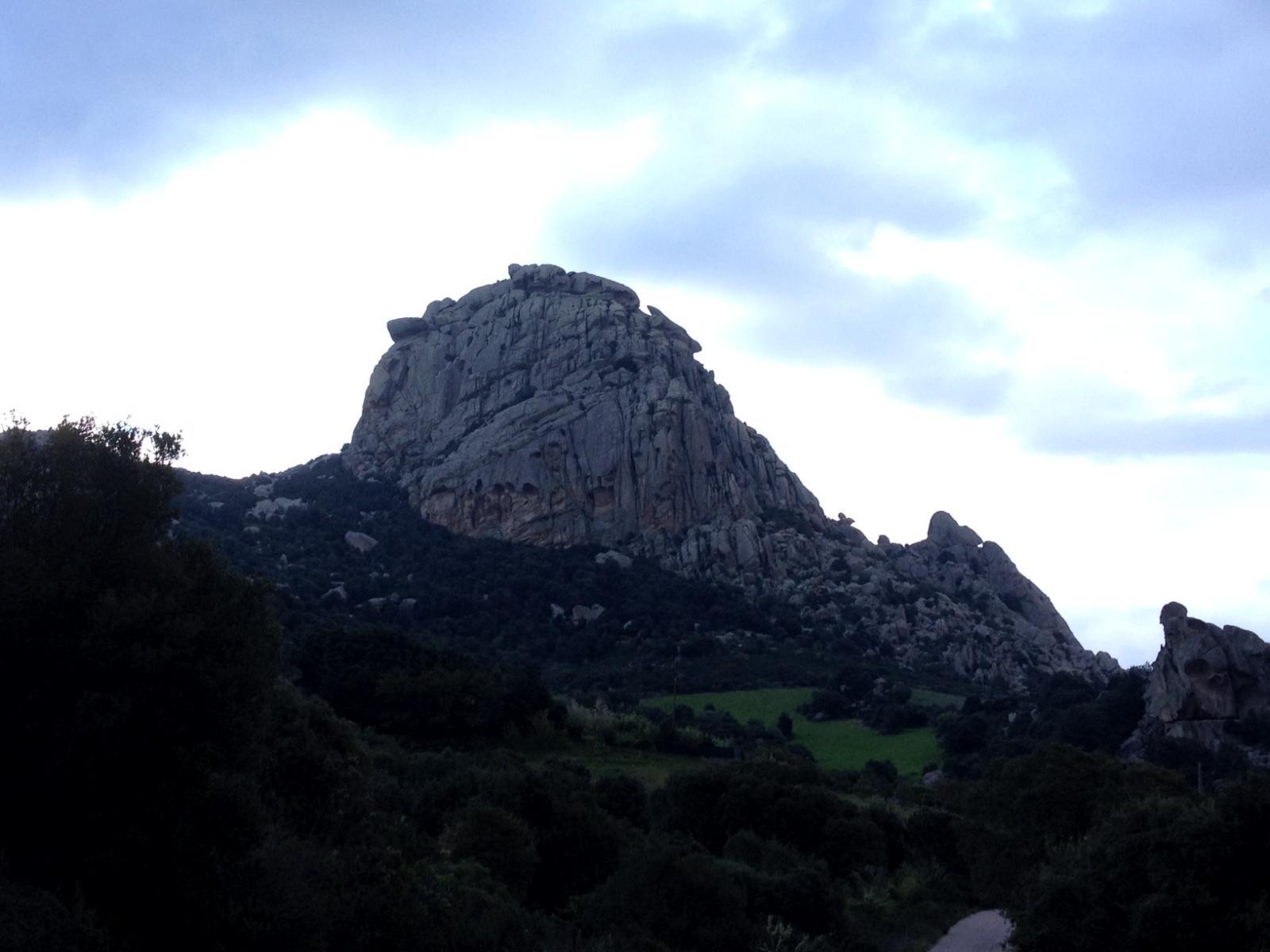 Il versante Ovest del monte Pulchiana ospita numerose vie classiche