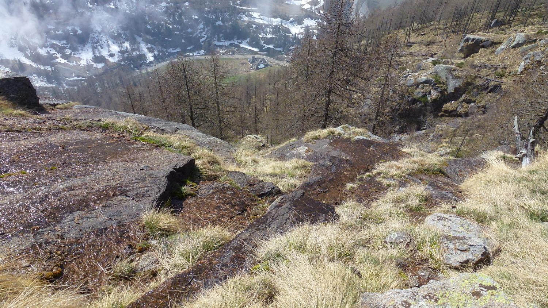 quasi fuori dal ripido,in fondo l'alpe di Orsolariva