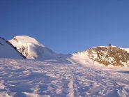 L'Allalinhorn e a destra la cresta che saliremo per l'Alphubel