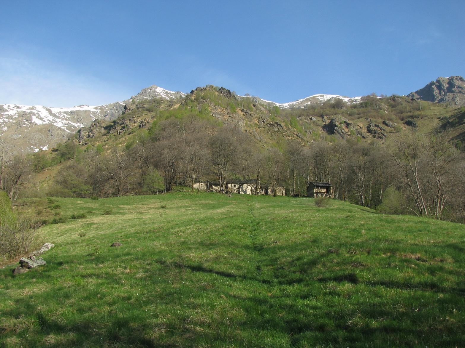Salendo al borgo Castagna