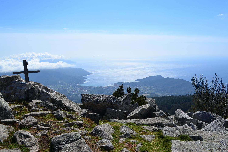 in vetta a Le Calanche (905 m)