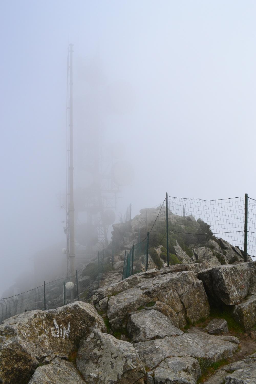 vetta del Capanne nella nebbia