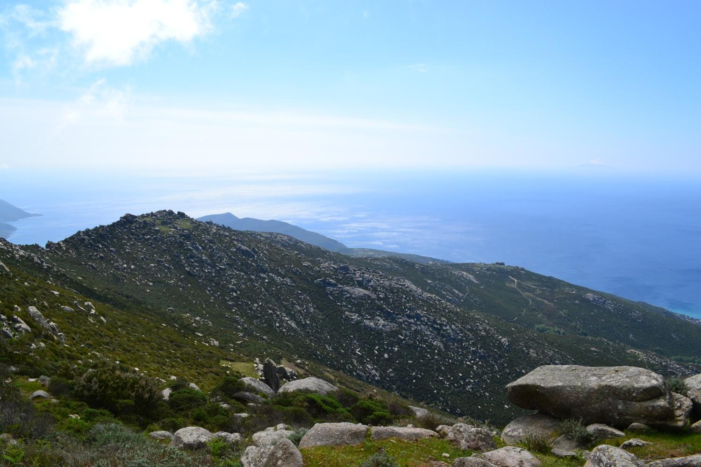 in direzione della costa di Pomonte