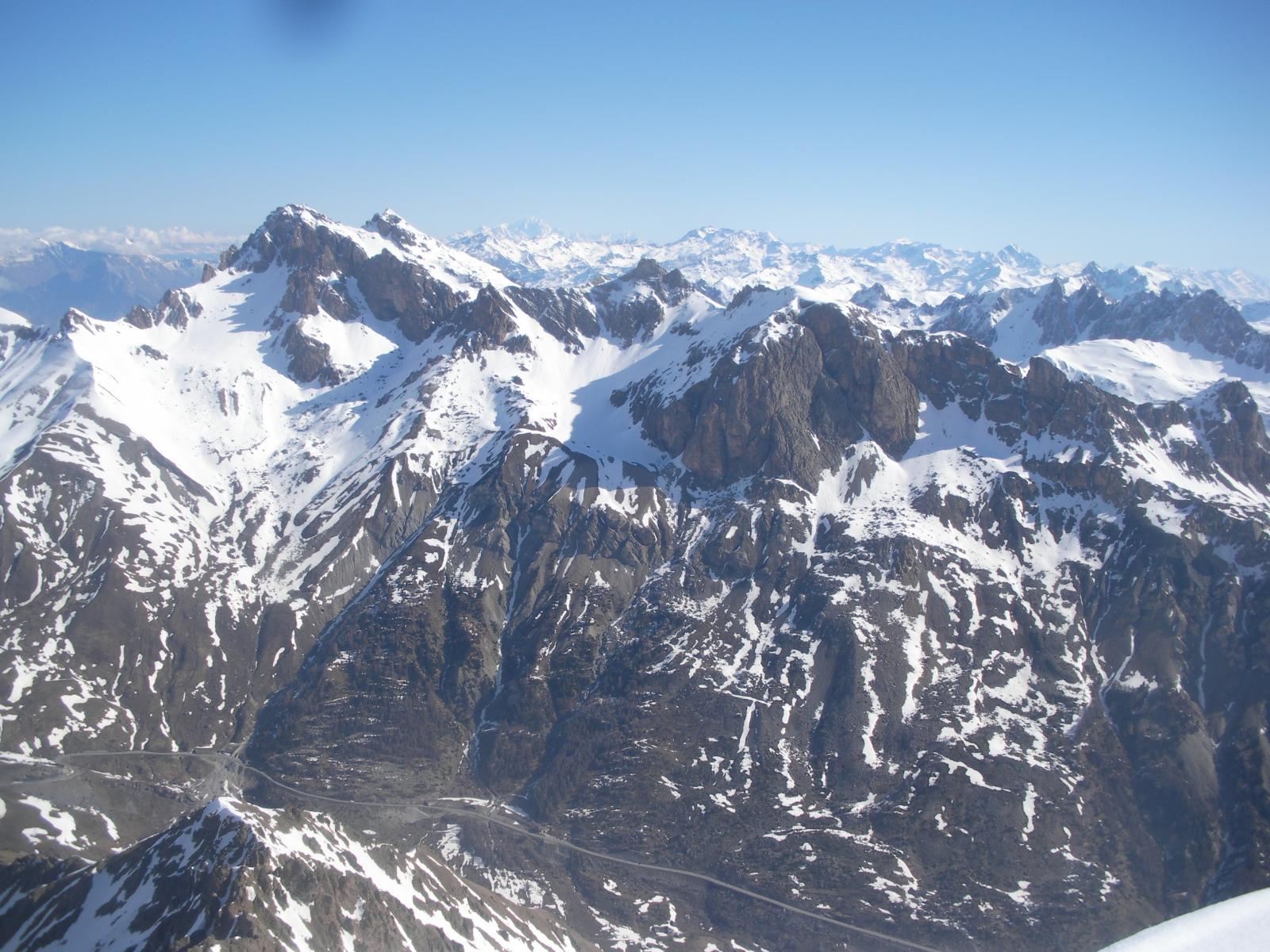 l Pic du Galibier e la Tete de Colombe dalla vetta..