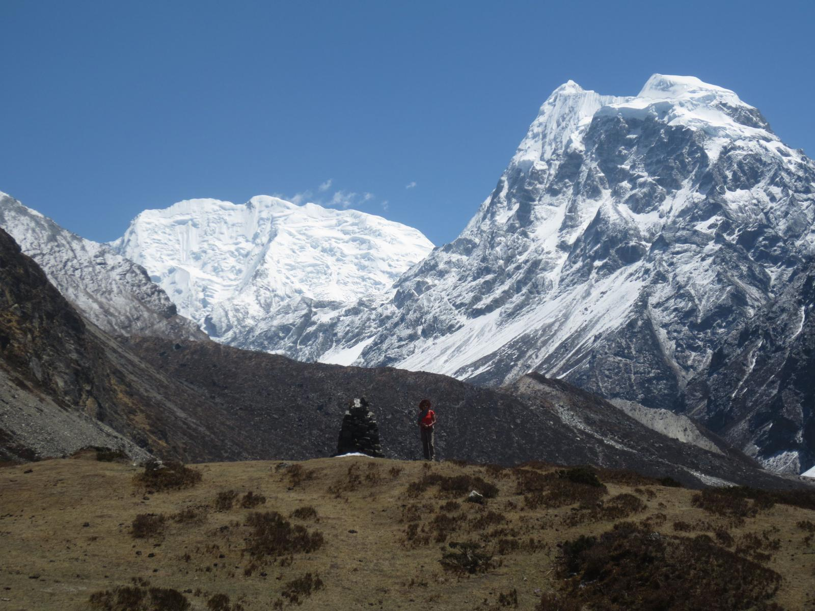 Kyanjin Ri - Tserpo Ri Langtang Trekking 2014-04-24