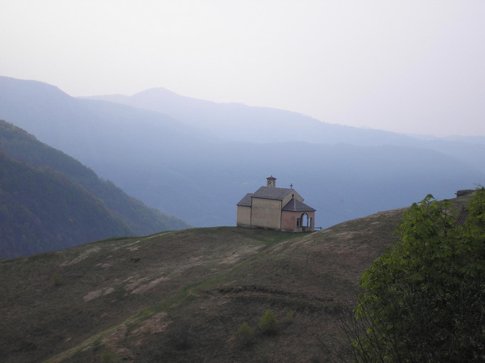 la chiesa dell'alpe loccia