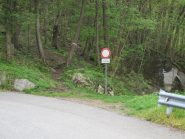 Sopra Praiale: il punto in cui si lascia la strada per il sentiero