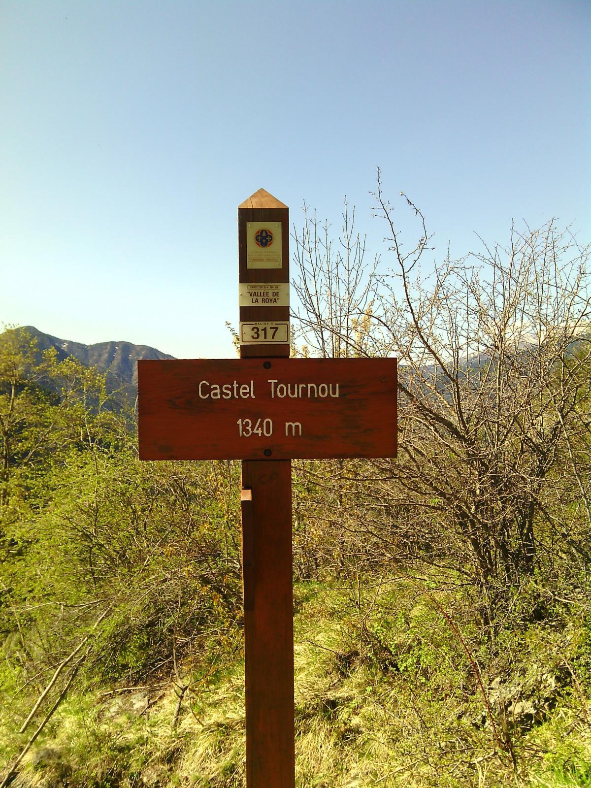 La palina in prossimità del Castel Tornou.