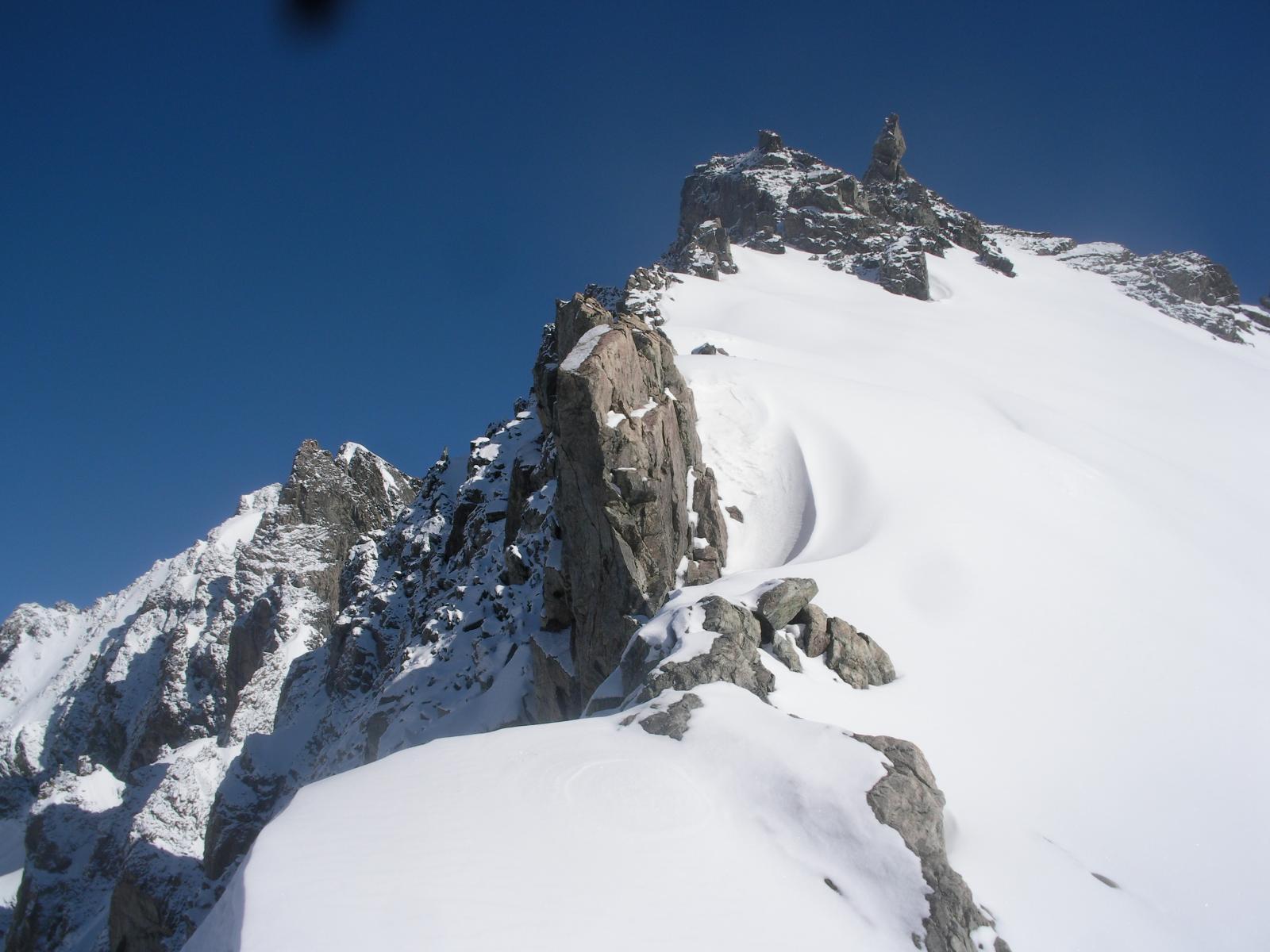 La cresta finale al Pic Jean Gauthier dal colle omonimo..