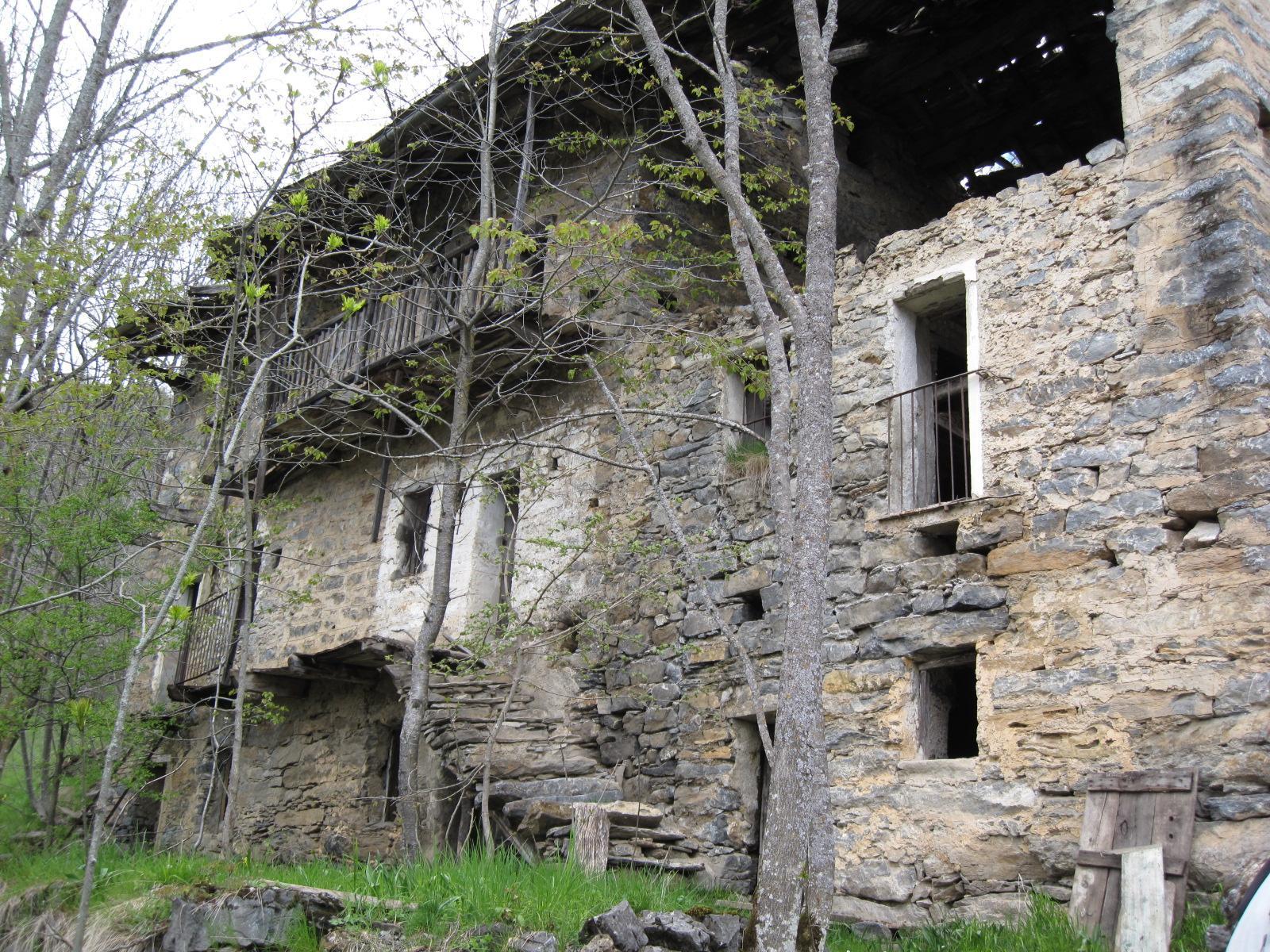 borgata Cauri - case abbandonate