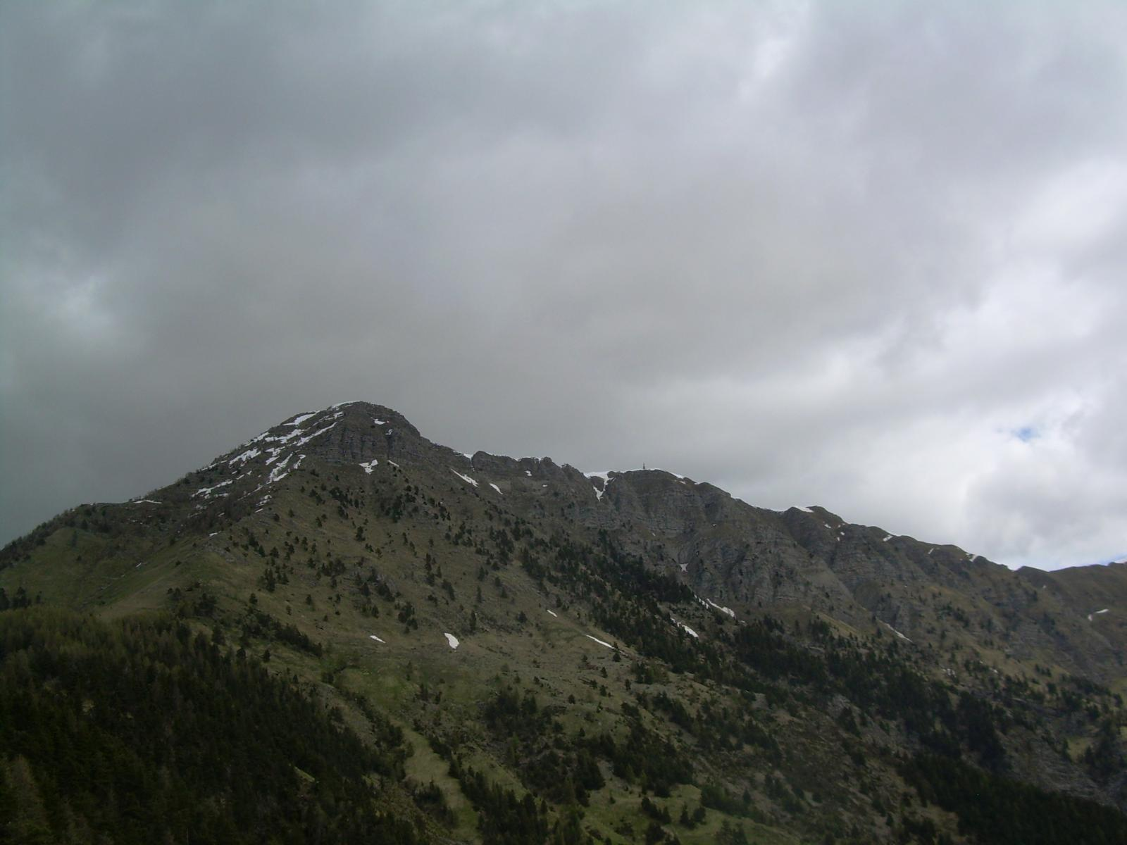 Dalla cima di Collardente vista verso il Saccarello e il Redentore.