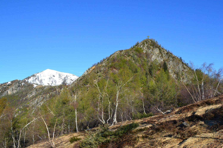 le vette del Ruscada (a sinistra) e del Pianascio (a destra) viste dal Pizzin (1510 m)