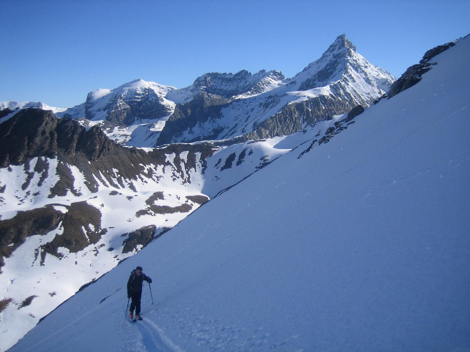 gran vista sulla Rognosa d'Etiache 3382 m.