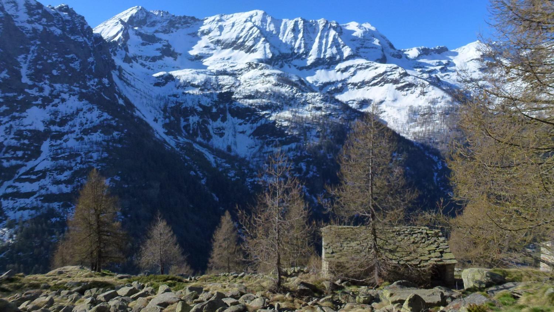 panorama dall'Unghiasse alla Crocetta dall'Alpe Mirole