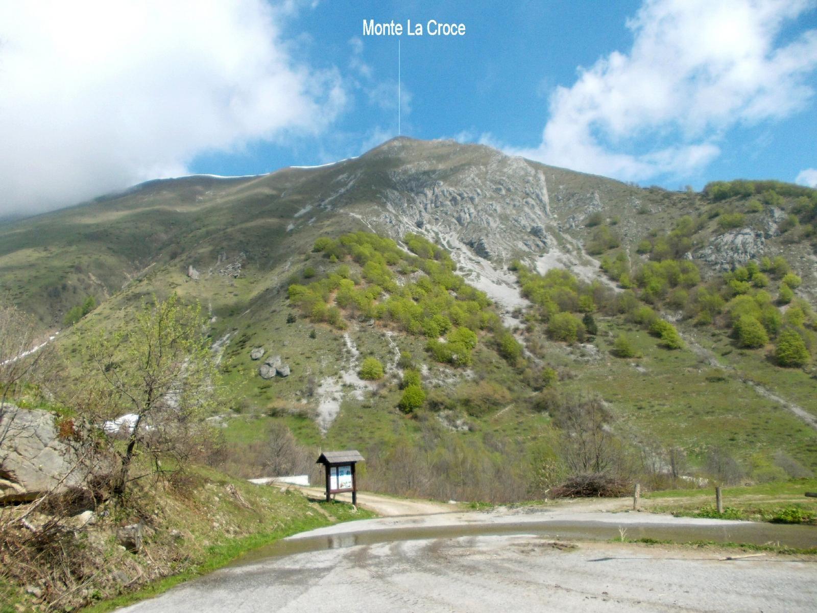 Il monte La Croce dal parcheggio di Palanfrè