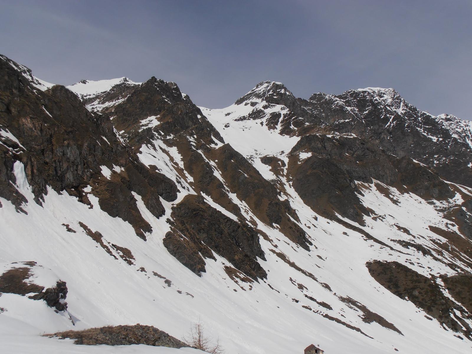 03 - Punta di  Leppe (a sx innevata) e C.di Leppe salita dal Vallone di S.Marcel