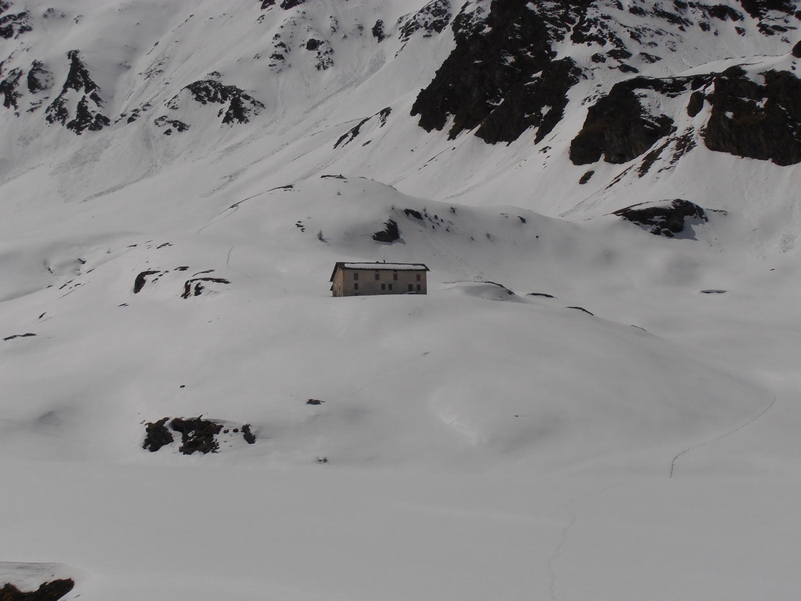 24 - Grand Chaux e punto panoramico con traccia su neve