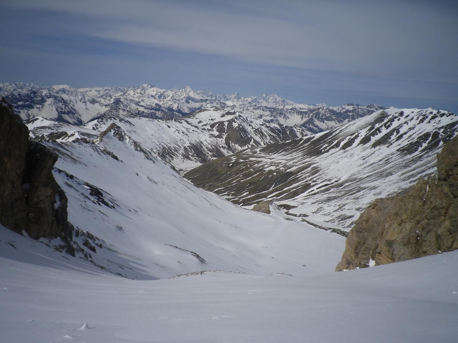 Dalla cima del vallonetto, una pernacchia alla Valle fredda