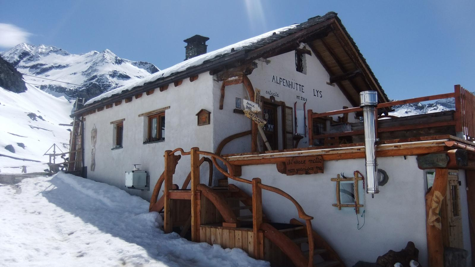 Alpenhutte Lys