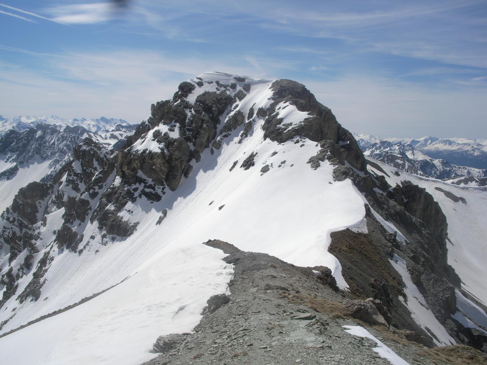 Il Roc de Serre Chapelle sul cammino di cresta tra il Pic de Peyre Eyraute e l'Alpavin..