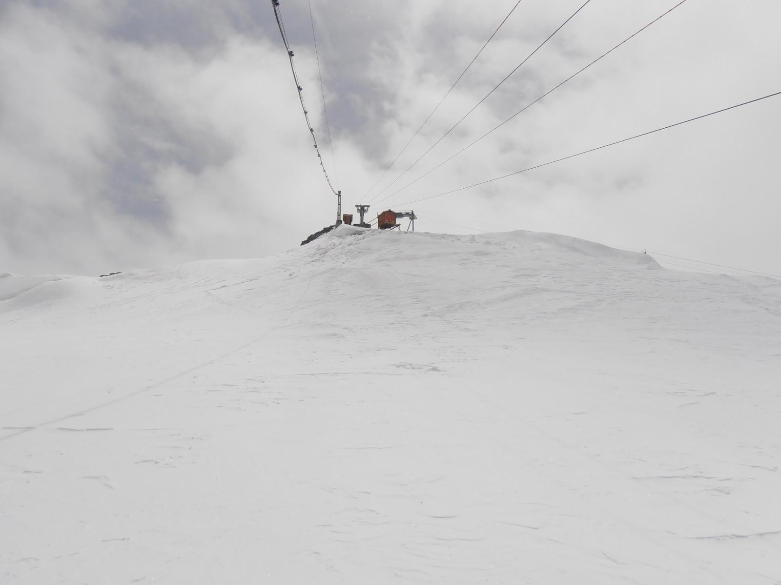 06 - quando si arriva alla sella del Klein Matterhorn la Gobba di Rollin sembra vicina, ma mancano ancora 100mt di dislivello