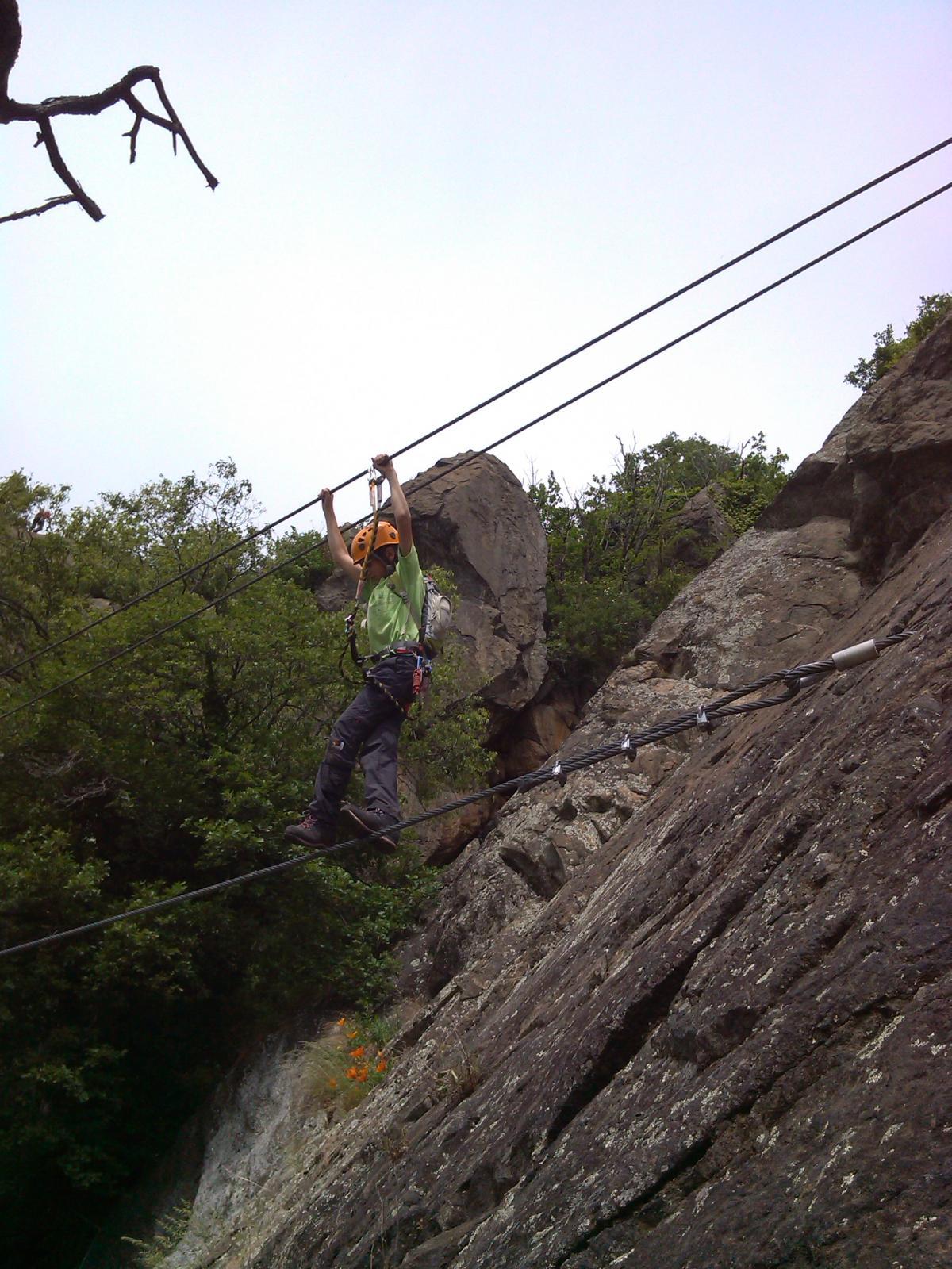per noi piccoli i cavi alti del ponte (ancora più alti a metà)