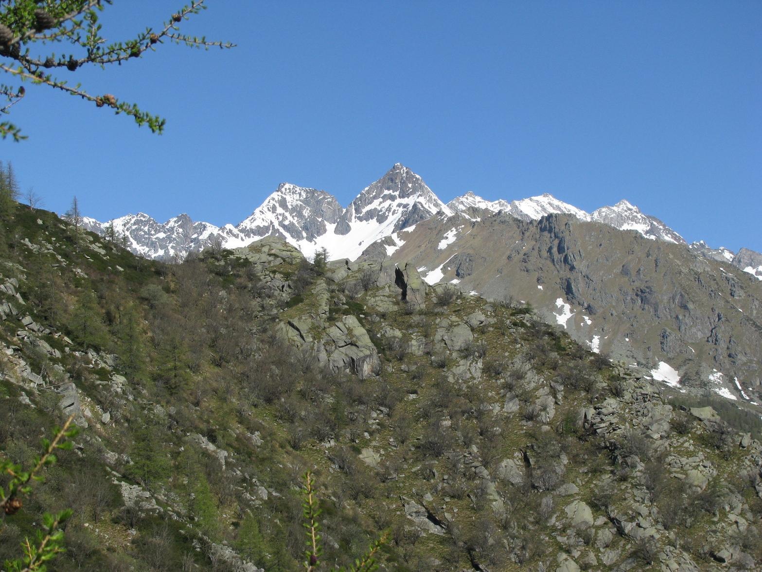 Dalla Cima Testassa, la Roccia Azzurrra ed il Monveso
