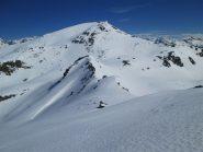 il pendio dall'alto con neve dura e liscia, sullo sfondo il Galehorn