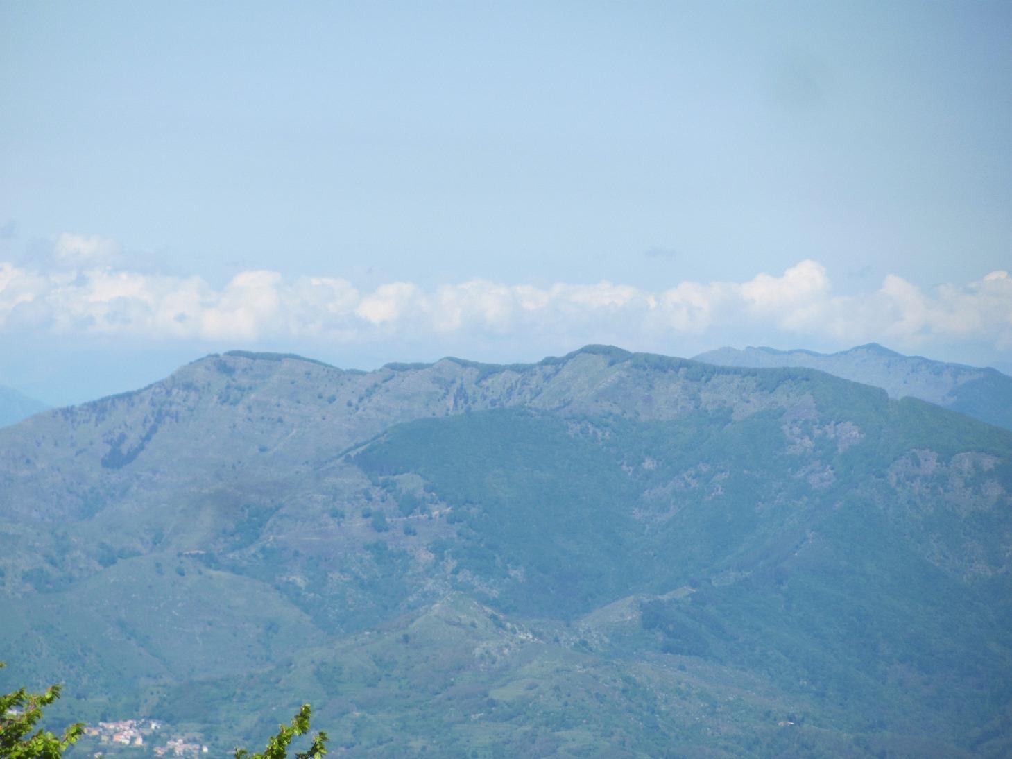 Monti Zatta e Ramaceto dalla cima del Gottero