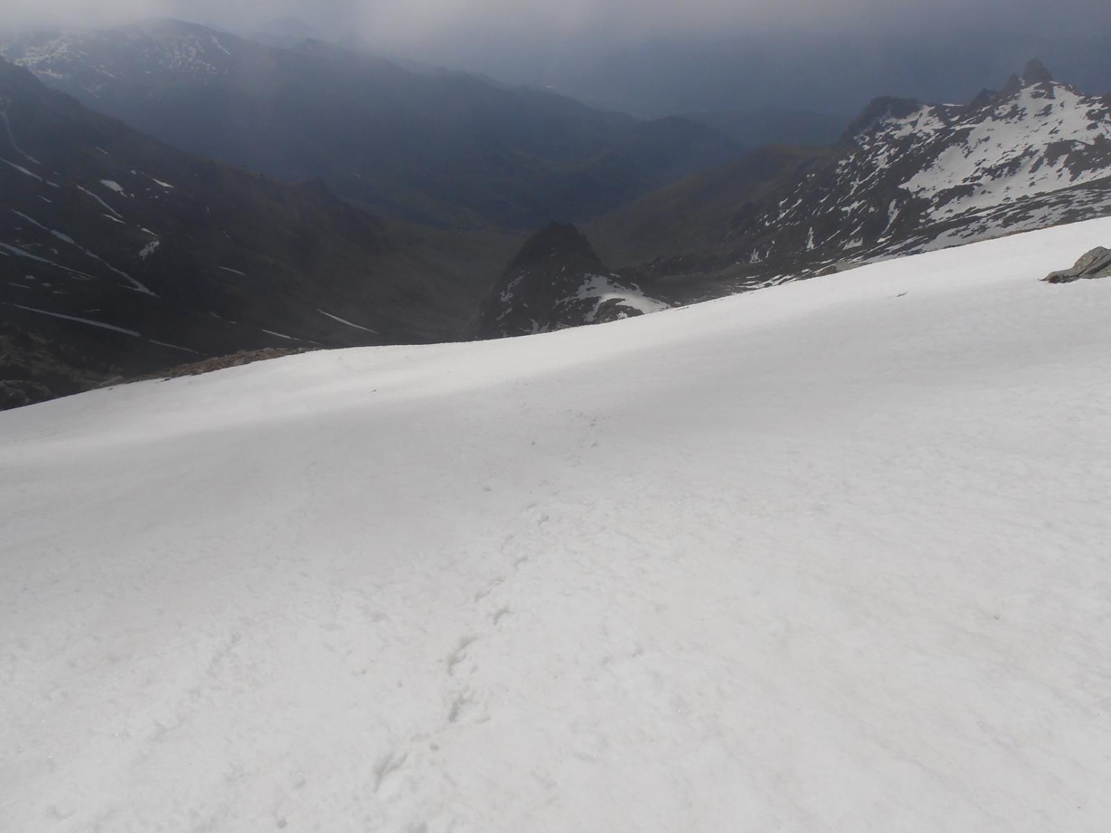 11 - inizia il nevaio, prima parte in salita