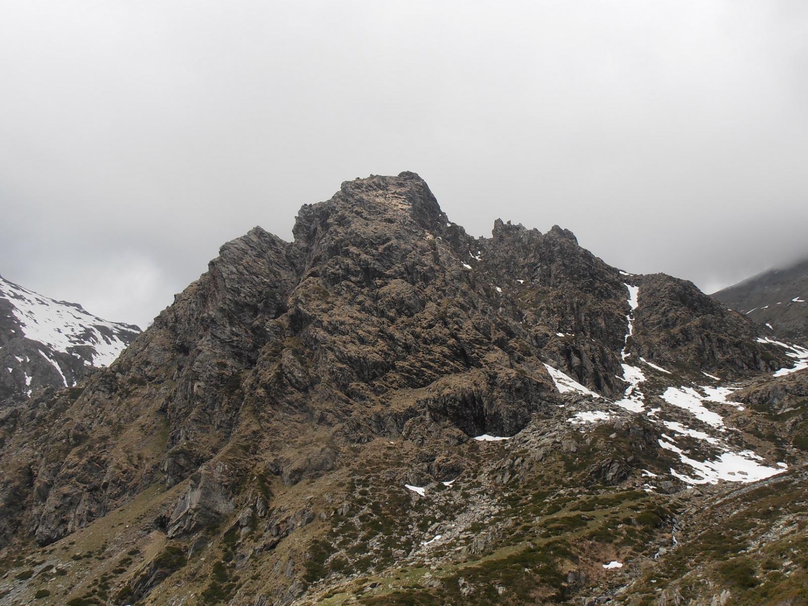 22 - il versante Est della Rocca del Prete